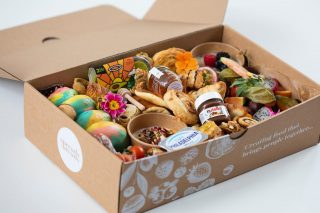 BRUNCH SQUAD   We recommend this size graze feeds 3-6 people and is priced at £50  They typically include freshly baked mini pastries, fresh fruits, greek yogurt with granola, overnight oats, stack of pancakes, waffles, freshly baked rainbow bagels, smashed avocado, cream cheese, Nutella, cheese and charcuterie meat selection, English honey with drizzle stick, coconut macroons, brownies, cinnamon swirls, baklava and other hidden treats!  #grazingtables #grazingtable #grazingtablesandcheeseboards #grazing #grazingplatter #grazingboard #grazingbox #solihullbusiness #solihull #solihullfood #solihullfoodie #birminghambusiness #birminghamfood #birminghamfoodie #foodtrends #spreadsandbreads #foodporn #platters #partyfood #eventcatering #foodevents #foodgifts  #spreadsandbreadssolihull #brunch #brunchgraze #brunchgrazing