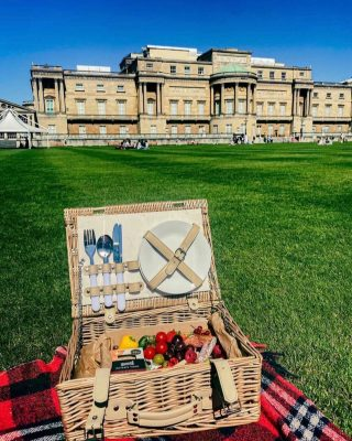"""Graze like a Queen! Picnics in Buckingham Palace  👑 🇬🇧🧀🍓🍇   Receiving customer photos of our THREESOME Savoury grazing box for a picnic at Buckingham Palace is so special.  Our """"Threesome"""" savoury feeds 2-3 people and is priced at £30. They are boxed in our beautifully designed eco boxes from @boxmarttps   Once demolished you can just recycle or compost our UK made ECO BOX and containers!  Today's grazes include Fig and Spelt @petersyard crackers, Brie, Goats Cheese with edible flowers, Stilton, Comte and @cornish.yarg wrapped in nettles, also included is a chunk or pork pie, charcuterie meats, falafels, hot gooseberry chutney from @tiptreephotos , nuts, olives and @driverspickles , chocolate bark and nuts, chocolate almonds and raisins with edible flowers 🧀🍇🍓  #grazingtables #grazingtable #grazingtablesandcheeseboards #grazing #grazingplatter #grazingboard #grazingbox #solihullbusiness #solihull #solihullfood #solihullfoodie #birminghambusiness #birminghamfood #birminghamfoodie #foodtrends #spreadsandbreads #foodporn #partyfood #eventcatering #foodevents #buckinghampalace #buckinghampalacegardens #buckinghampalacepicnic   #spreadsandbreadssolihull  #weddingcatering #weddingcaterer #partycatering #partycaterer @solihullcouncil @solihullforsuccess  #queenelizabeth"""