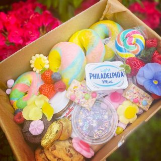 Children's inspired Rainbow Bagel Graze 🌈🥯  RAINBOW BAGEL GRAZE feeds 2-4 people at £25, today's graze had all the topping perfect for a children's birthday breakfast treat!   #grazingtables #grazingtable #grazingtablesandcheeseboards #grazing #grazingplatter #grazingboard #grazingbox #solihullbusiness #solihull #solihullfood #solihullfoodie #birminghambusiness #birminghamfood #birminghamfoodie #foodtrends #spreadsandbreads #foodporn #platters #partyfood #eventcatering #foodevents #foodgifts  #spreadsandbreadssolihull  #weddingcatering #weddingcaterer #partycatering #partycaterer @solihullcouncil @solihullforsuccess