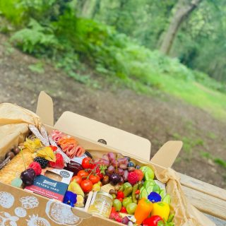 Grazing in the woods 🌳🌲🍃  The INCROWD Savoury feeds 4-7 people and is priced at £60, boxes in our bespoke printed boxes from @boxmarttps once demolished you can just recycle or compost our UK made ECO BOX and containers!  #grazingtables #grazingtable #grazingtablesandcheeseboards #grazing #grazingplatter #grazingboard #grazingbox #solihullbusiness #solihull #solihullfood #solihullfoodie #birminghambusiness #birminghamfood #birminghamfoodie #foodtrends #spreadsandbreads #foodporn #platters #partyfood #eventcatering #foodevents #foodgifts  #spreadsandbreadssolihull  #weddingcatering #weddingcaterer #partycatering #partycaterer @solihullcouncil @solihullforsuccess